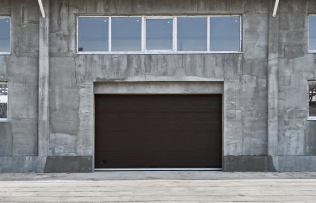 4 Things To Consider Before Working With A Garage Door Repair Company